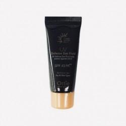 Міні-версія флюїду для захисту обличчя і тіла від сонця OTTIE UV Defense Sun Fluid SPF43 / PA ++ - 5 мл