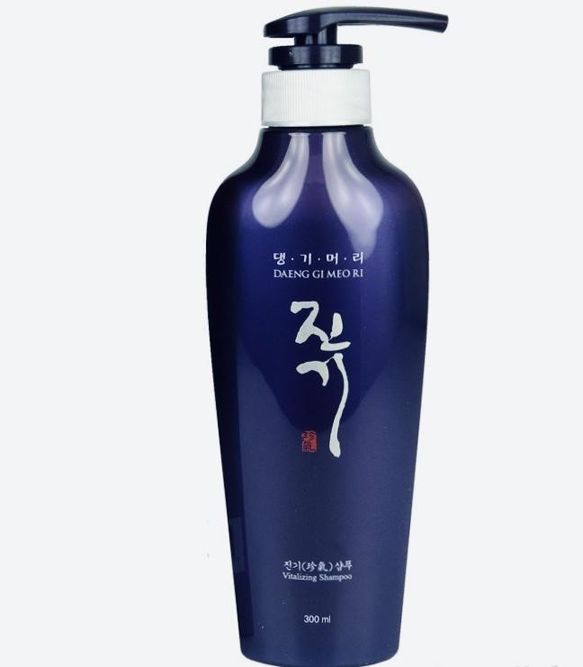 Регенерирующий шампунь от выпадения волос DAENG GI MEO RI Vitalizing Shampoo - 300 мл